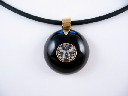 Mason County Lone Star Topaz in Black Onyx dome